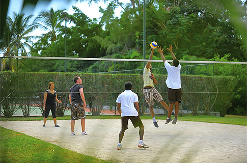 Volleyball - Land Sports - Le Canonnier - Sports & Activities