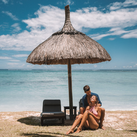 Couple Offer beachcomber mauritius