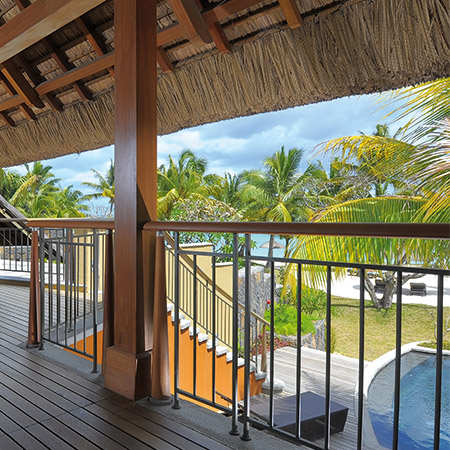 Beachfront Senior Suite mit pool
